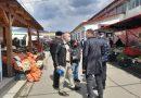 Proaspătul manelist își strânge notițe prin piața din Petroșani, a trecut la Poliția Locală-Mediu